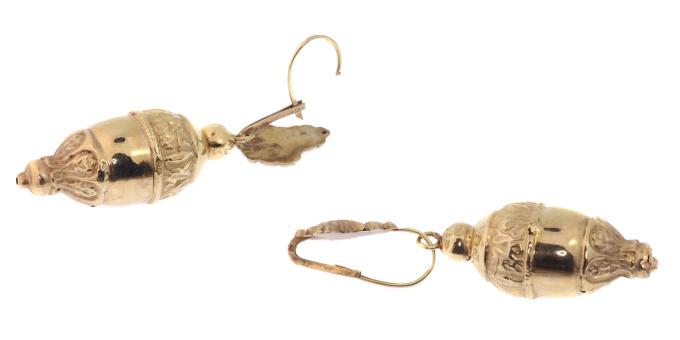 Victorian 18kt red gold dangle earrings, acorn motifs by Unknown Artist