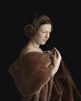 Lady with headphone by Suzanne Jongmans