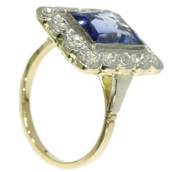Vintage sapphire and diamond ring by Unknown Artist