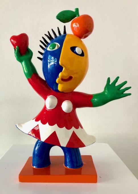 Chica con Manzana y Corazon by Juan Ripollés