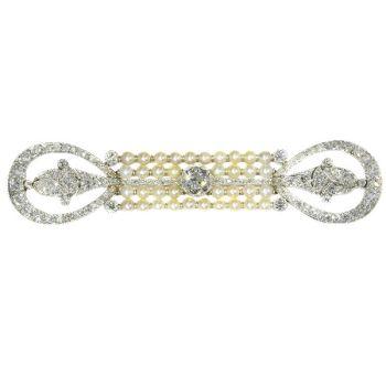Elegant platinum diamonds and pearls Art Deco Belle Epoque brooch by Unknown Artist