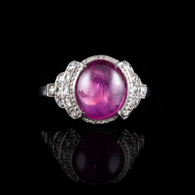 Art deco ring with cabochon cut ruby by Unknown Artist