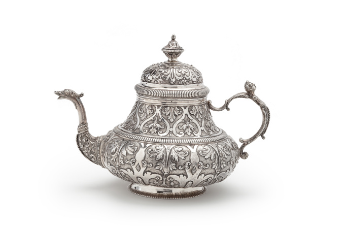 Silver teapot and cover, Leeuwarden 1734, the Netherlands by Gabijnus van der Lely