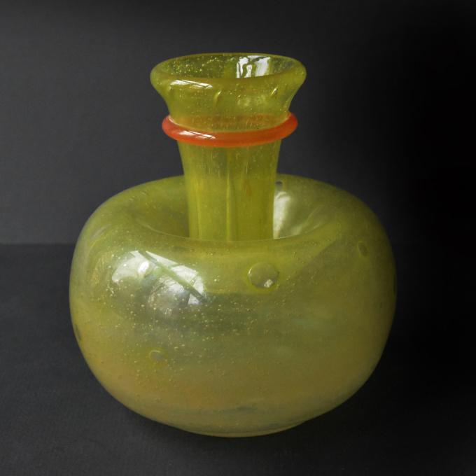 vase bijou by Charles Schneider