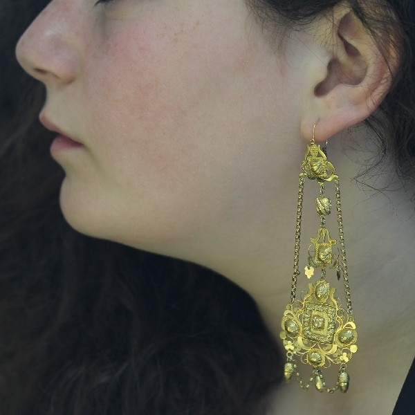 Extreme rare antique Dutch gold filigree long pendent earrings by Unknown