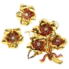 Decorative vintage gold Fifties parure brooch and earrings rubies and diamonds by Unknown Artist