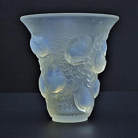 Glass art nouveau vase by Lalique  by René Lalique