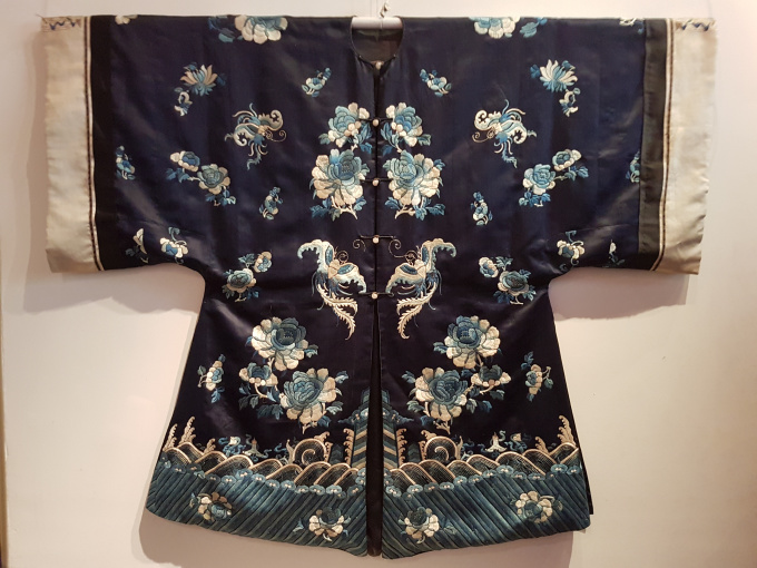 Chinese black silk robe with embroidery. Late Qing dynasty (1644-1912) by Unknown Artist