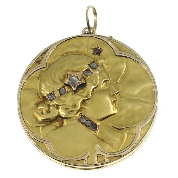 Art Nouveau lucky locket with rose cut diamonds by Unknown