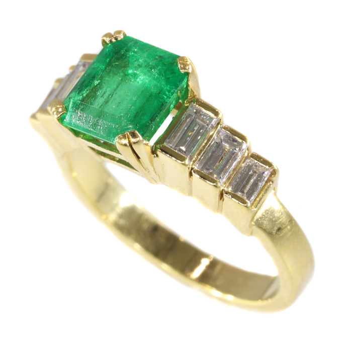 French estate ring with high quality Colombian emerald and baguette diamonds by Unknown
