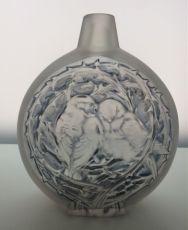An amusing vase 'deux moineaux' by Paul Haviland