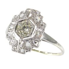 Vintage Art Deco diamond engagement ring by Unknown