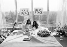 John and Yoko, Breakfast Amsterdam Hilton Hotel by Nico Koster