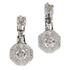 French Art Deco white gold and platinum earrings set with diamonds