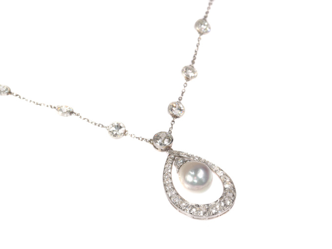 Platinum Art Deco diamond necklace with natural drop pearl of 7 crts by Unknown