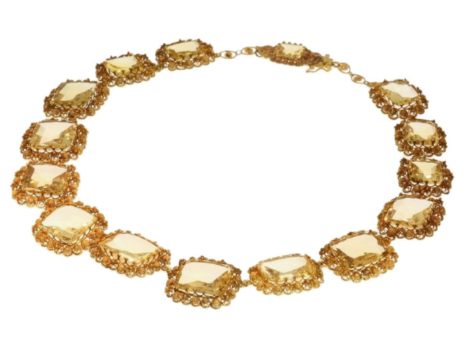 Antique necklace gold cannetille filigree work with 15 big citrine stones by Unknown