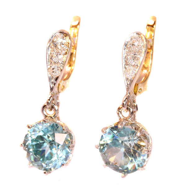 Art Deco diamond earrings with large starlites by Unknown