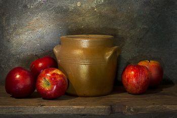 White apples by Mos Merab Samii