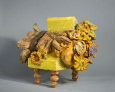 Zonnebloemen op Stoel by Emile van de Kruk