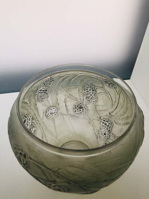 A great 'Nefliers' vase designed by Rene Lalique  by René Lalique