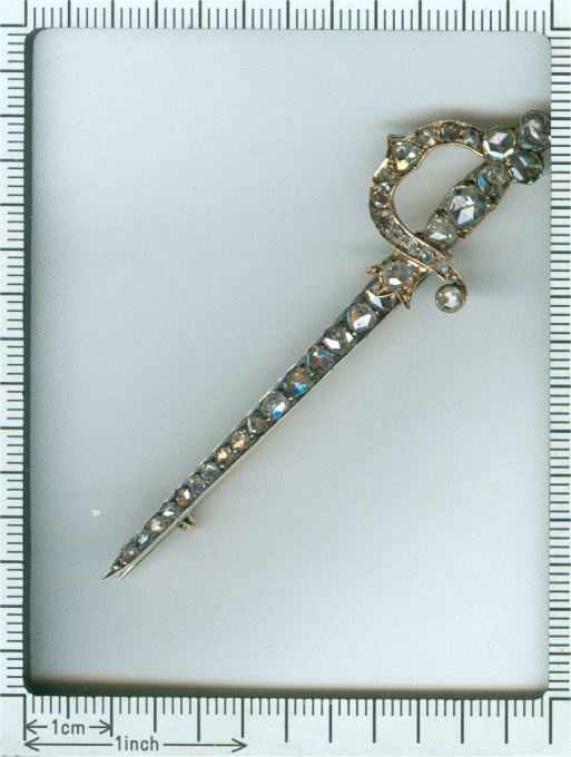 Antique Dutch rapier brooch covered with rose cut diamonds by Unknown