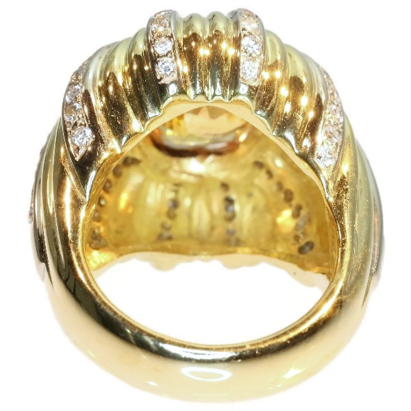Vintage 6.56 crt cert. natural Yellow Sapphire and diamond gold cocktail ring by Unknown