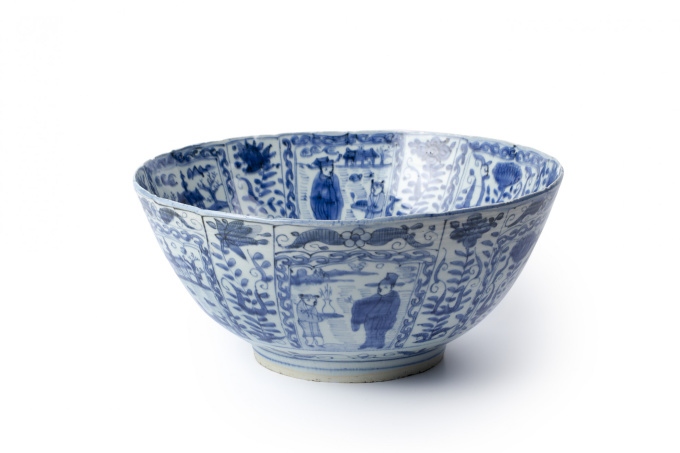 Three large Chinese blue and white 'kraak porselein' bowls by Unknown Artist