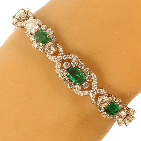 Truly magnificent 16+ crt brilliant and 7- crt Colombian emerald estate bracelet by Unknown Artist