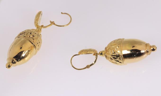 Antique Victorian 18K gold acorn motive earrings by Unknown Artist