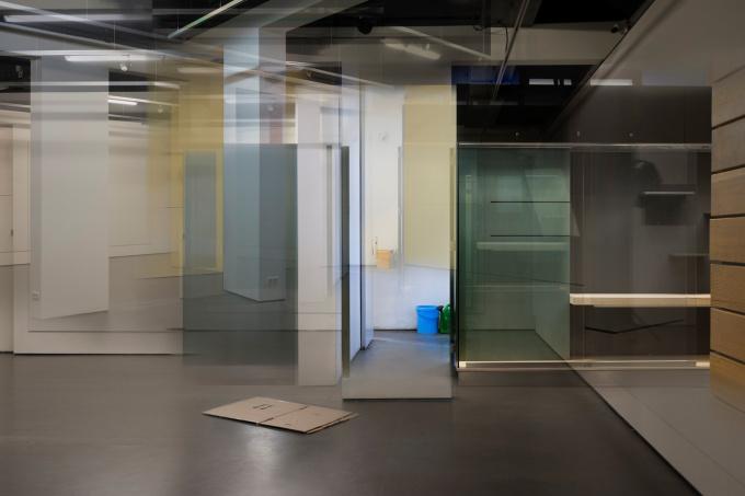 Empty by Geert Kollau