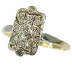 Art Deco diamond ring by Unknown Artist