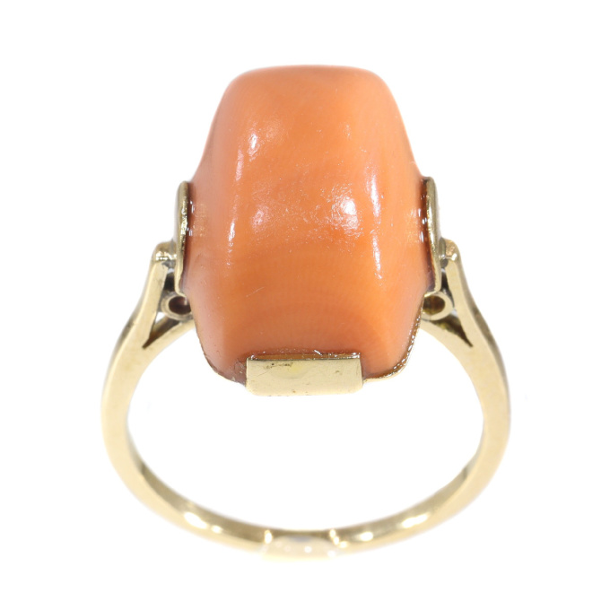 Typical vintage Art Deco ring with peculiar cut coral by Unknown Artist