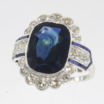 Vintage platinum Art Deco diamond ring with natural untreated sapphire of 8.59 crt by Unknown Artist