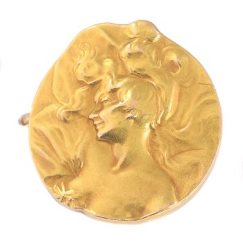 Strong stylistic Art Nouveau gold brooch by Unknown Artist